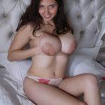 maman nue en photo sexe  002