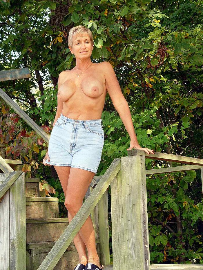 maman nue en photo sexe  008