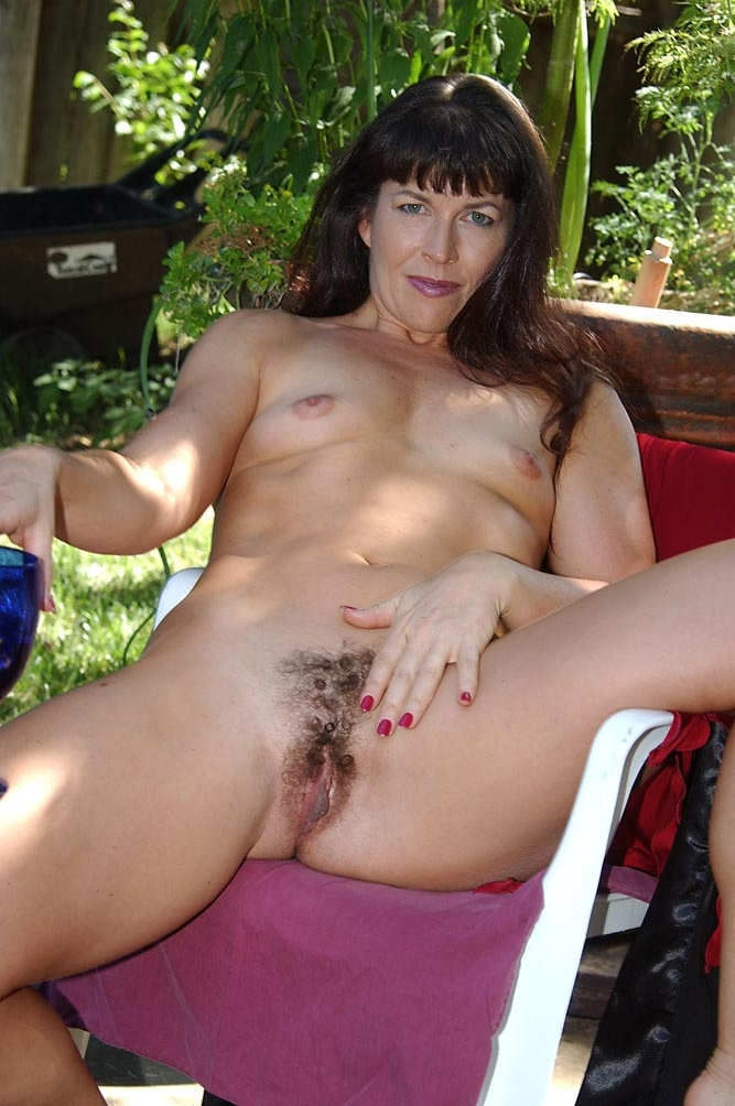 maman nue en photo sexe  013