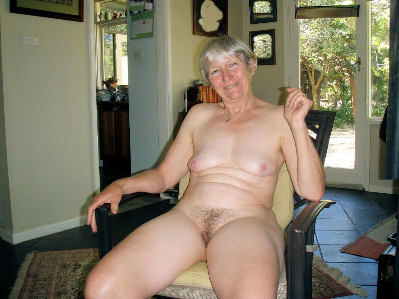 maman nue en photo sexe  022