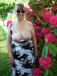 maman nue en photo sexe  023