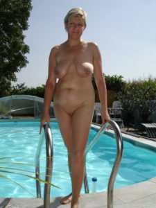 maman nue en photo sexe  027