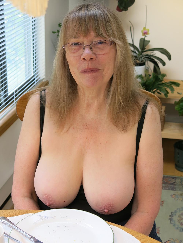 maman nue en photo sexe  037