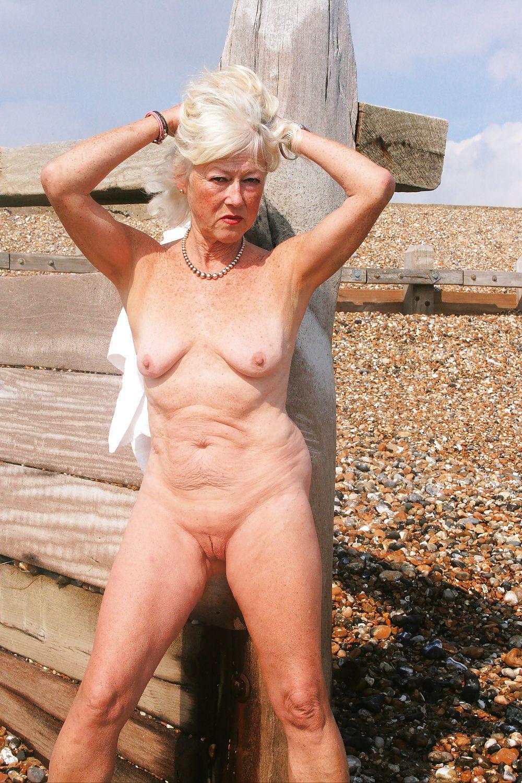 maman nue en photo sexe  046