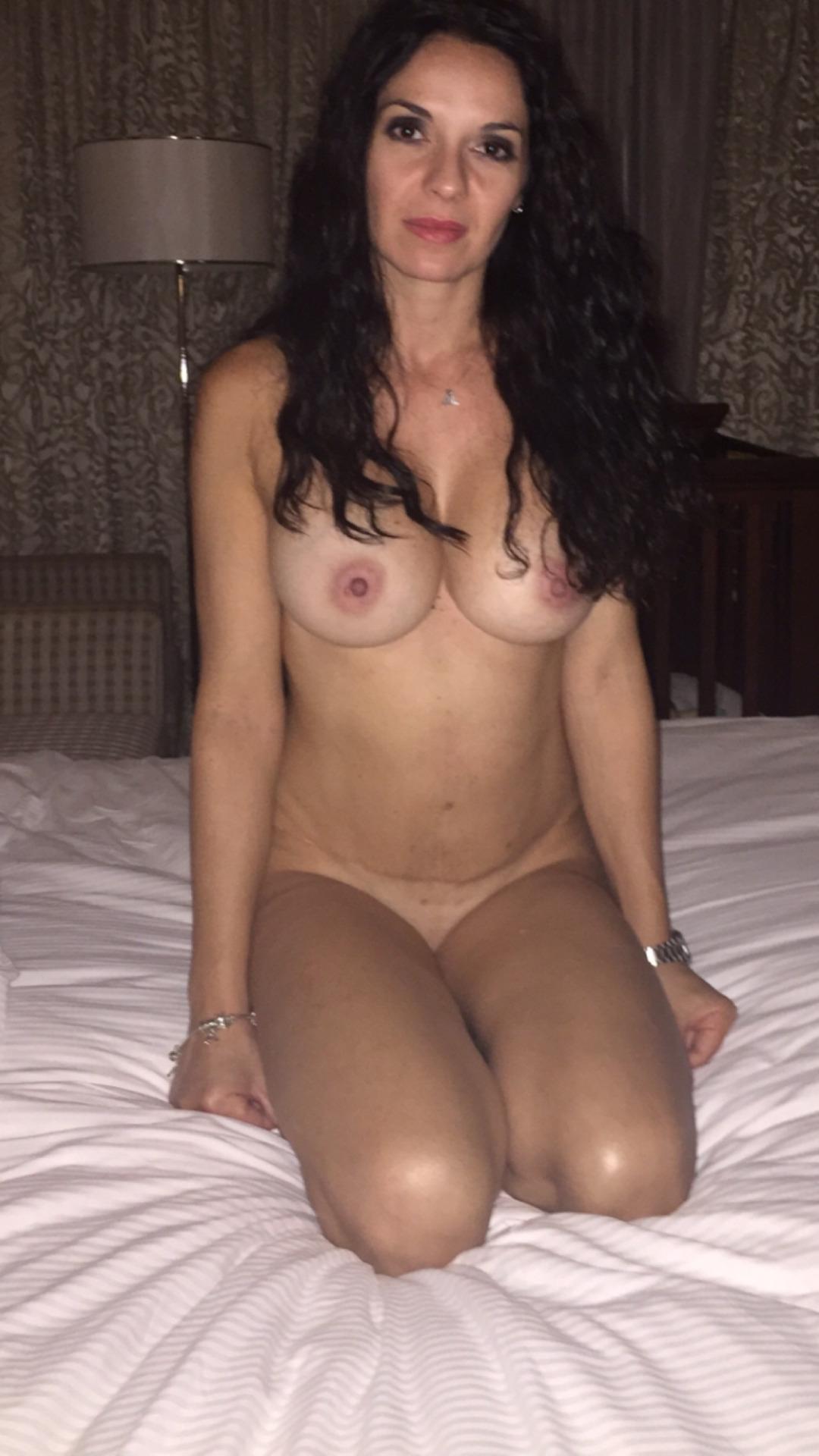 maman nue en photo sexe  063