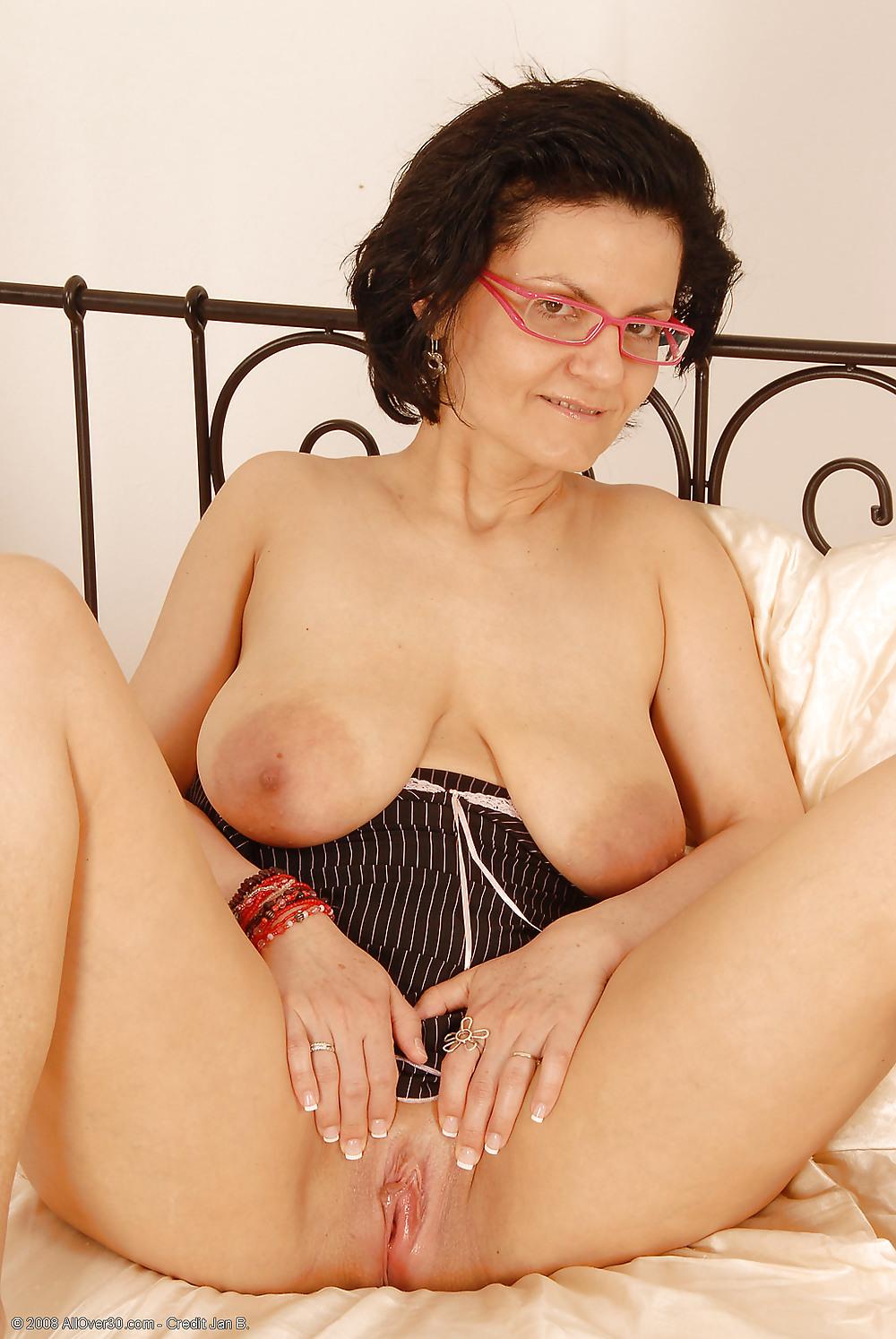 maman nue en photo sexe  065