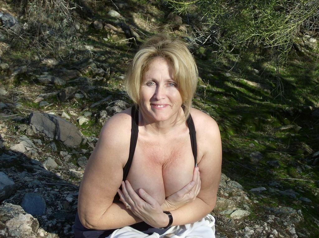 maman nue en photo sexe  075