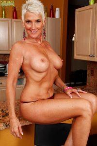 maman nue en photo sexe  093