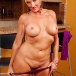 maman nue en photo sexe  098