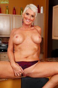 maman nue en photo sexe  106