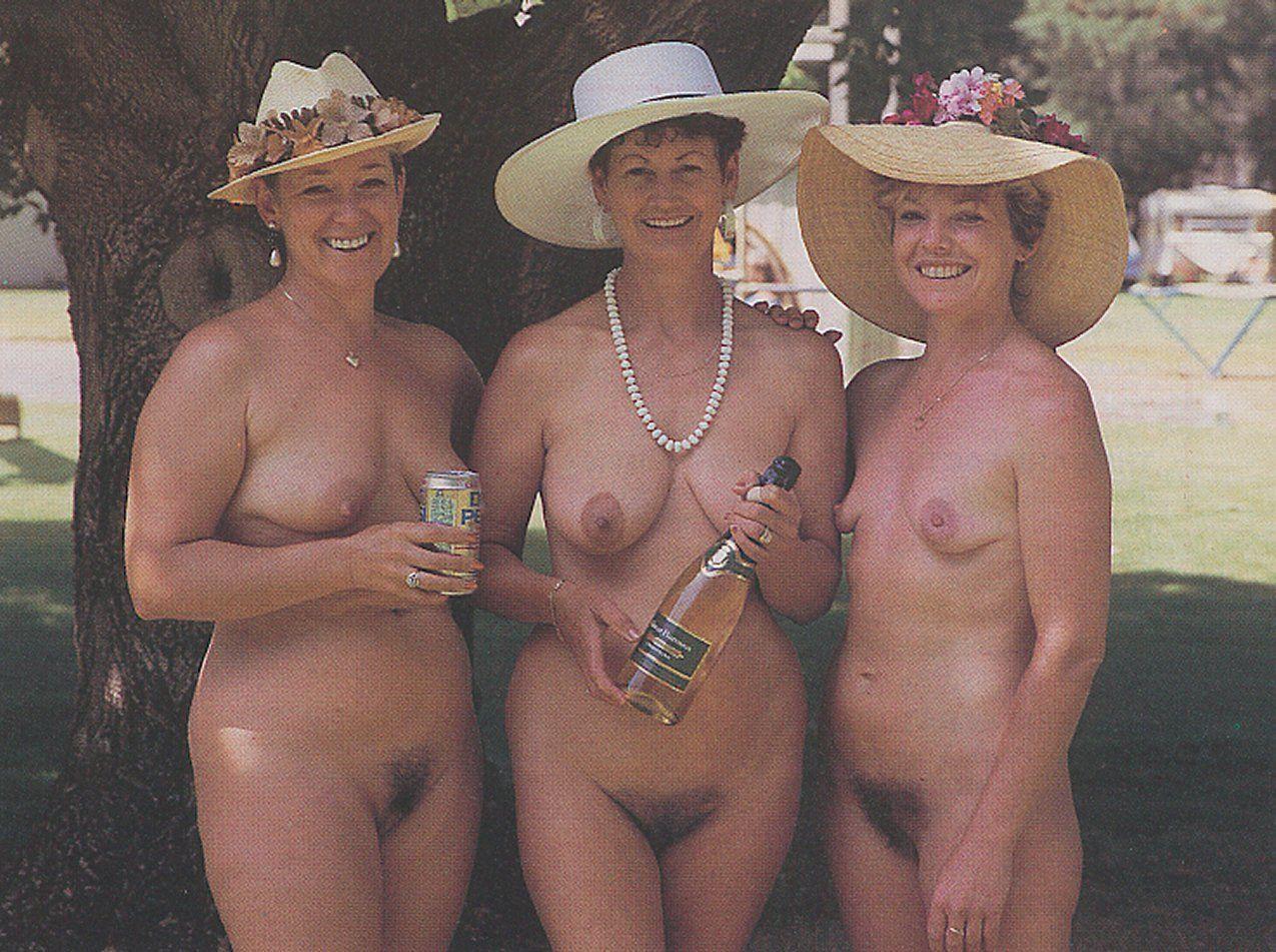 maman nue en photo sexe  107