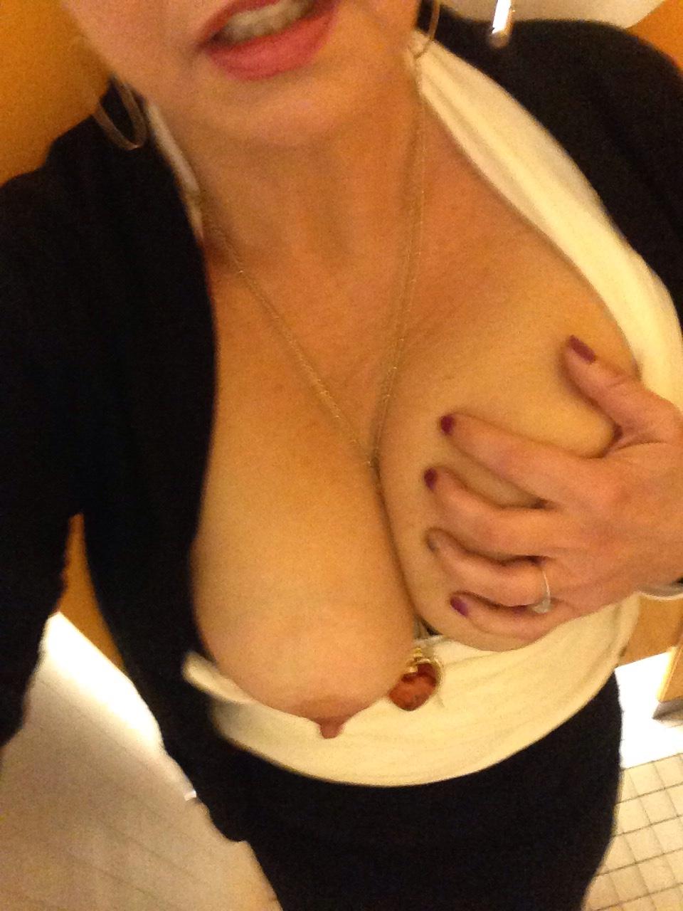 maman nue en photo sexe  108