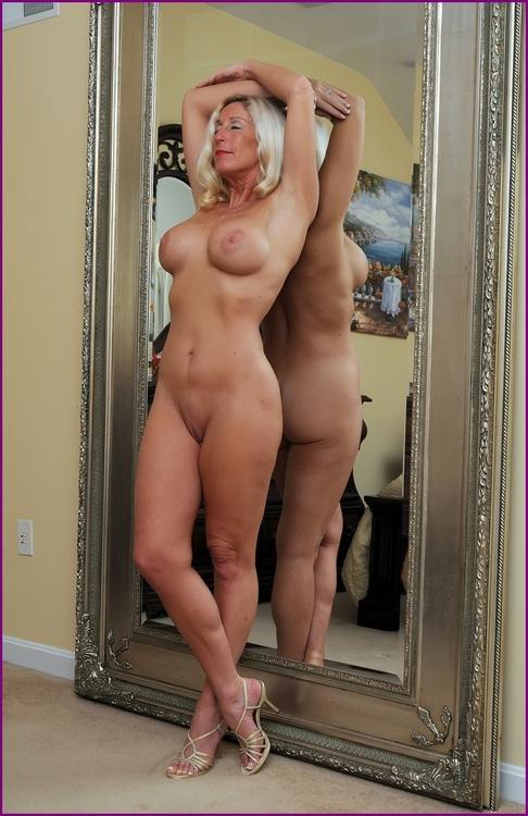 maman nue en photo sexe  133