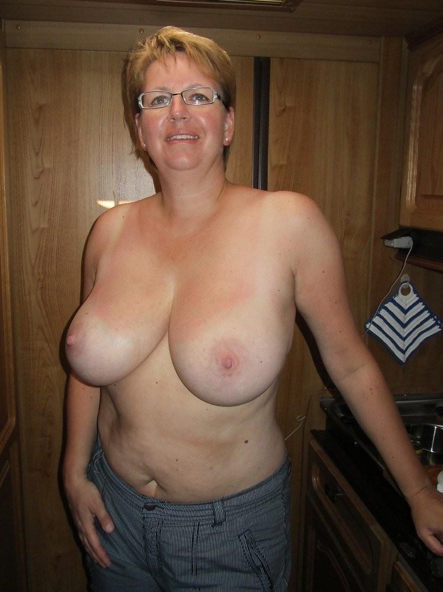 rencontre une maman sexy  050