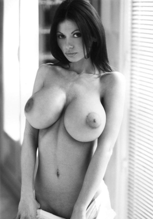 femme age nue coquine dans le 52