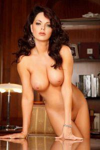 image femme mature nue dans le 07 pour baise