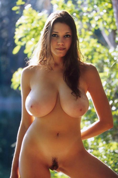 photo de femme nue en couple dans le 04